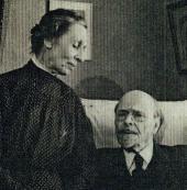 Е.П. И М.В.НЕСТЕРОВЫ В КВАРТИРЕ НА СИВЦЕВОМ ВРАЖКЕ. Фотография. Москва, [1938–19
