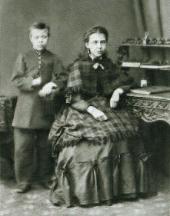 М.В. НЕСТЕРОВ С СЕСТРОЙ АЛЕКСАНДРОЙ ВАСИЛЬЕВНОЙ. 1870, Уфа