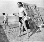 ЭДВАРД МУНК НА ПЛЯЖЕ В ВАРНЕМЮНДЕ. 1908