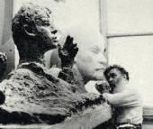 За работой над образом Есенина. 1972