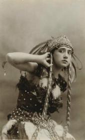 ТАМАРА КАРСАВИНА – ЖАР-ПТИЦА «ЖАР-ПТИЦА». Фотография. 1910.
