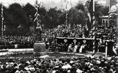 ОТКРЫТИЕ ПАМЯТНИКА ЭДВАРДУ ГРИГУ. 1917. БЕРГЕН. ФОТОГРАФИЯ