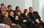 В первом ряду сидят (справа налево): Леонард Джанадда, Жан-Луи Прат и др.