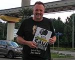 Футбольный комментатор Виктор Гусев получил экземпляр журнала «FENÔMENO»